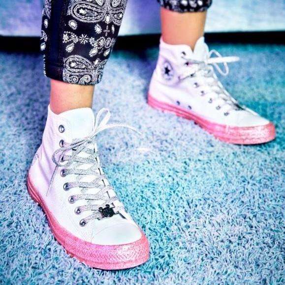 78069cd8a5ae NEW Converse Miley Cyrus All-Star Glitter HighTops NWT